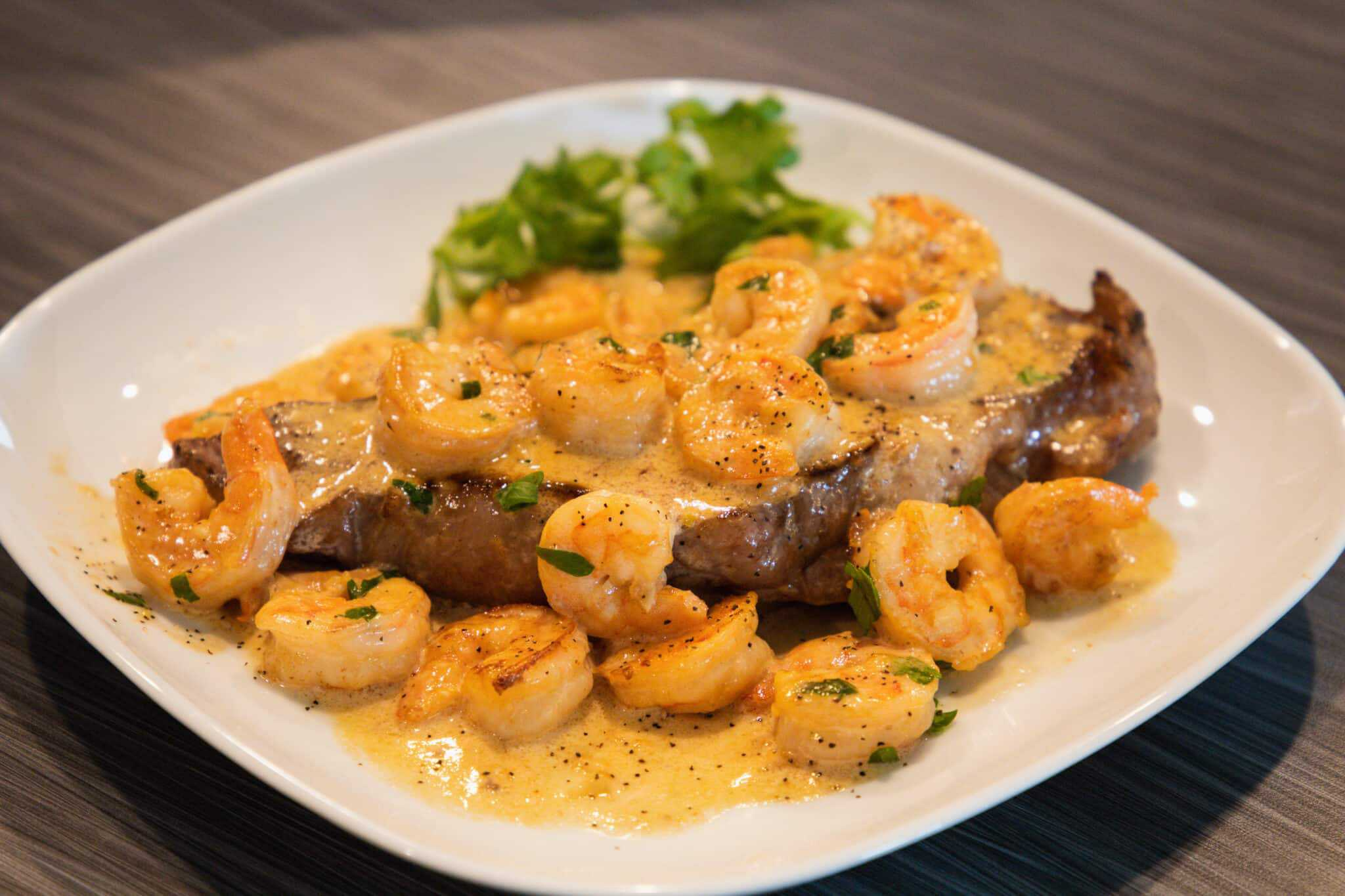 Surf 'N' Turf With Garlic Cream Sauce